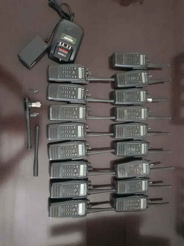 Motorola DP3600 17 komada i Motorola DM3600