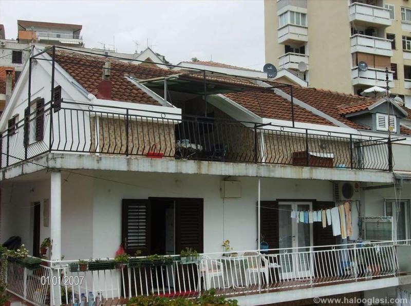 Prodajem stan u Herceg Novom na odlicnoj lokaciji