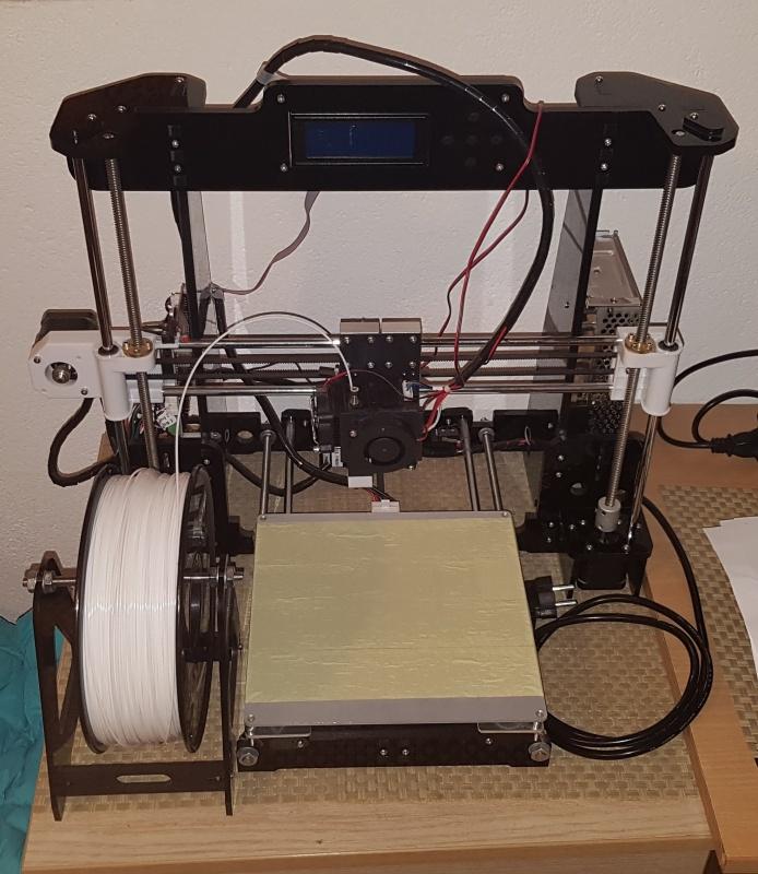 Prodajem 3D štampač