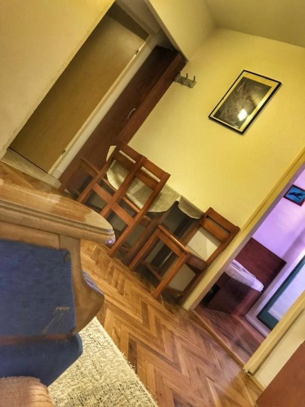Izdaje se od septembra 2018 do jula 2019 jednosoban stan u Budvi