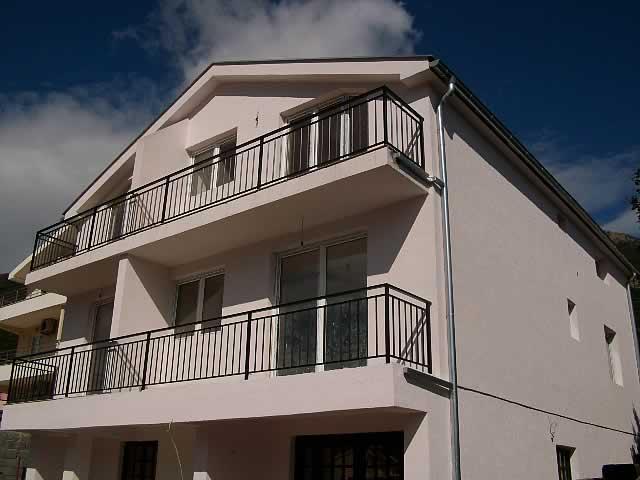 Prodajem jednosoban stan u Đenoviću (Herceg Novi, Crna Gora)